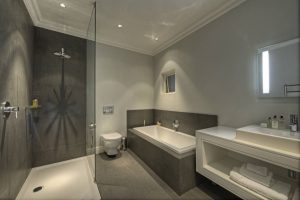 Examples Bathroom Interior Design Modern 5-star Hotels2